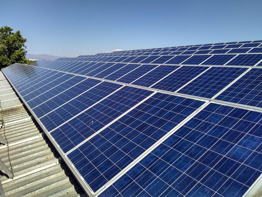 Más de 800 personas y 13 plantas fotovoltaicas para recuperar el sol